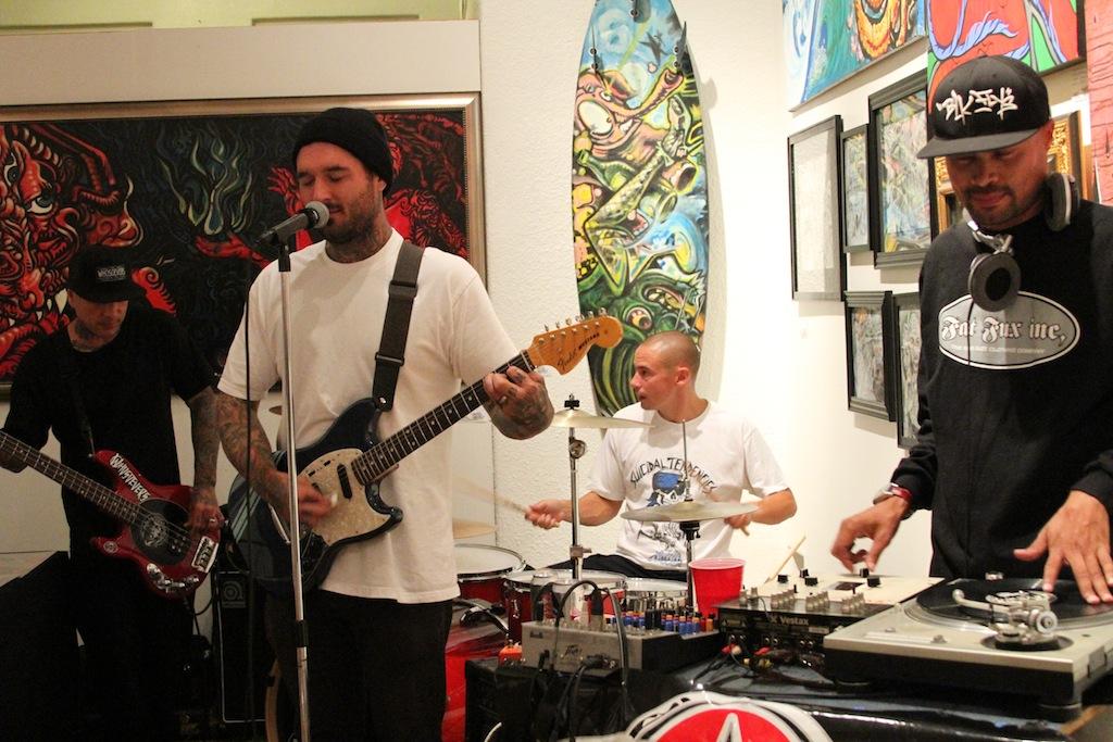 elrobo_gcs_dtsa_santaana_livemusic_artshow_blackflys