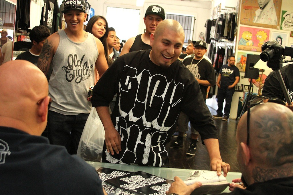 The_psycho_realm_signing_sick_jacken_big_sleeps