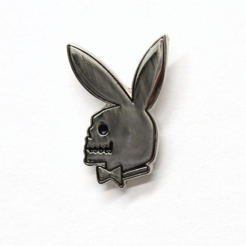paly skull pin